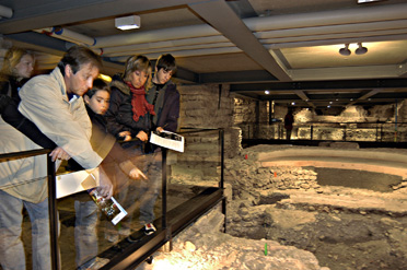 Visitors in the archaeological site